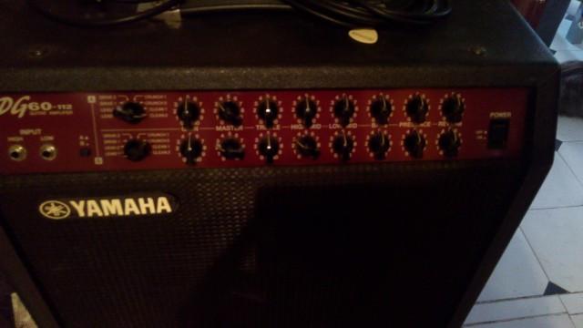 Amplificador Yamaha Dg60 112