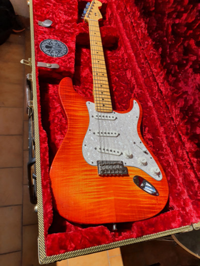 FENDER Stratocaster American Select
