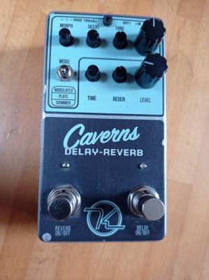 Keeley CAVERNS delay + reverb