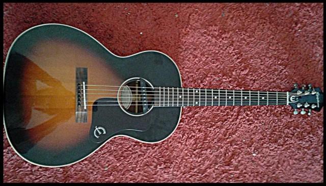 Vendo guitarra acustica Epiphone EL00 con pastilla