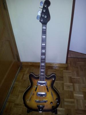 Bajo Fender Coronado 1967