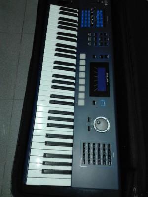 Sintetizador Kurzweil PC3Le