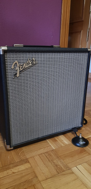 Fender Rumble v3 40w (footswitch incluido)
