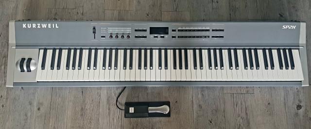 KURZWEIL SP2X (Stage Piano y Controlador)