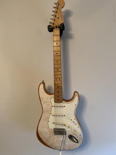 Cambio/vendo fender Stratocaster MiM 1999/2000