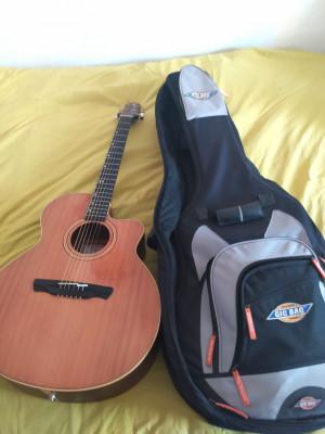 Guitarra electroacústica Alhambra J-2 CW