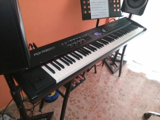Roland RD700GX