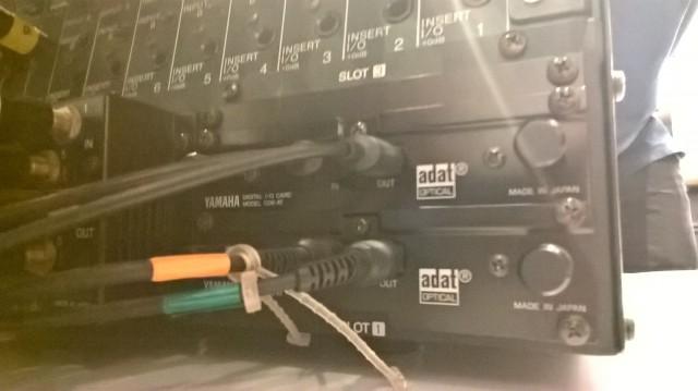 Yamaha 02R + Puente vumeters