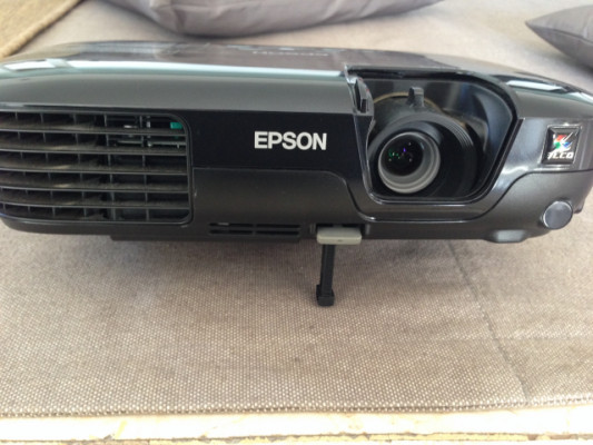 Proyector LCD Epson EB-S72
