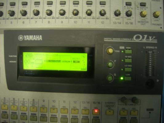 yamaha 01V con rack