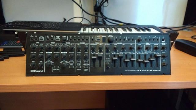Sintetizador Roland System 1m