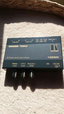 Mesa de mezclas Kramer 102MX