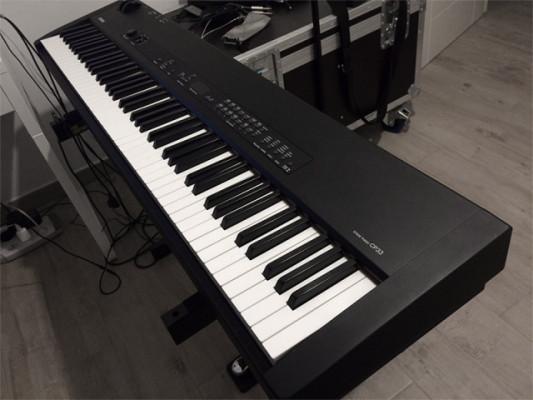 Vendo piano Yamaha CP 33