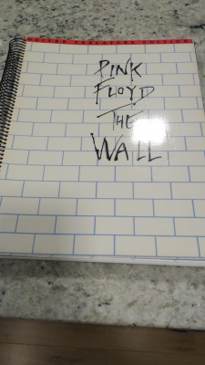 Libro de partituras/ tablaturas  the Wall Pink floyd