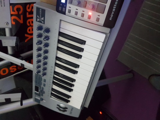 Teclado controlador E-MU X board 25