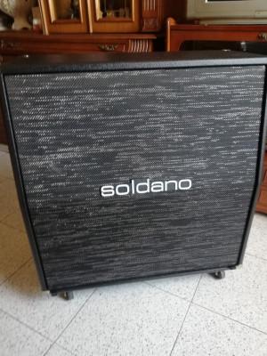 SOLDANO 4x12 Cabinet Slant(angulada) Black con rejilla Sparkle