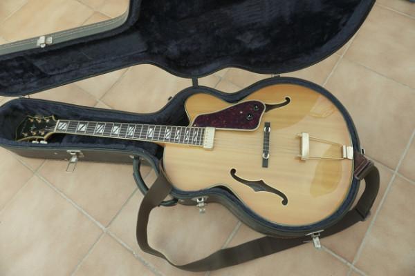 Vendo guitarra de caja Aria FA 71