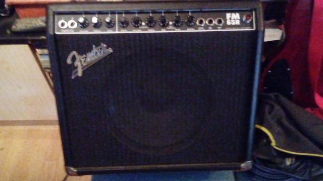 Amplificador de guitarra Fender FM-65R