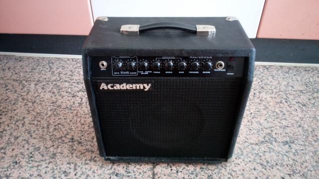 Amplificador Guitarra Academy AXL-20WEA