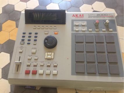 AKAI MPC2000 XL - EXTRAS -