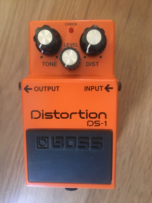 Pedal Distorsión .Boss DS-1