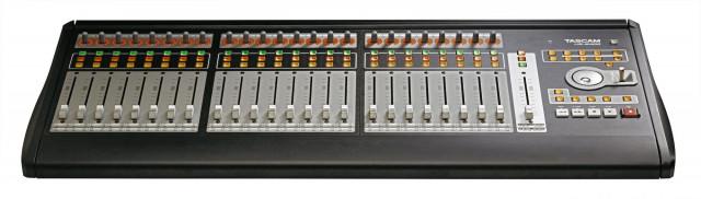 Vendo controlador a Tascam US 2400