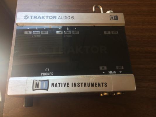 Tarjeta de sonido Traktor Audio 6