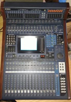 Vendo Mesa Yamaha DM 1000 V2