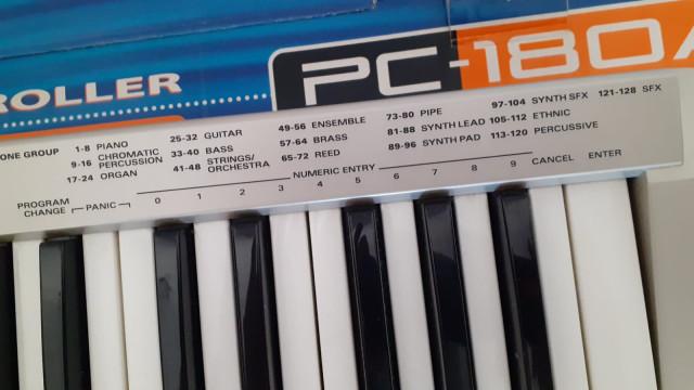 Teclado MIDI Roland PC-180A