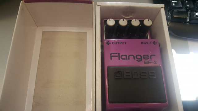 pedal flanger boss bf2 (made in taiwan)