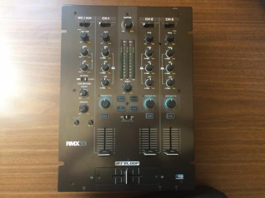 Mesa de mezclas Reloop RMX 33i como nueva