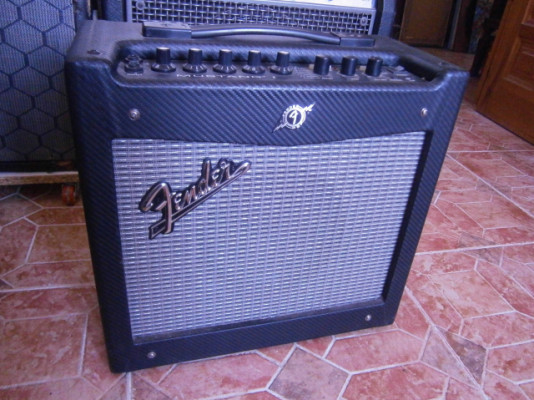 Fender Mustang 1
