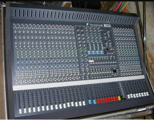 Mesa de mezclas Soundcraft Two 24ch