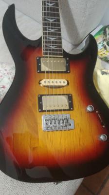 Guitarra electrica(80€)