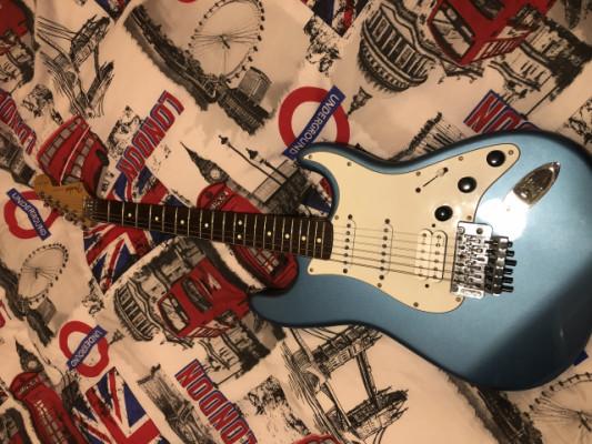 Fender stratocaster Sambora mim