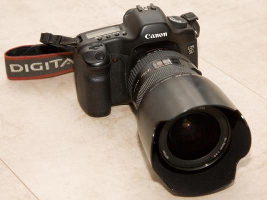 Canon 5D Mark I + EF 24-70mm f/2.8L USM