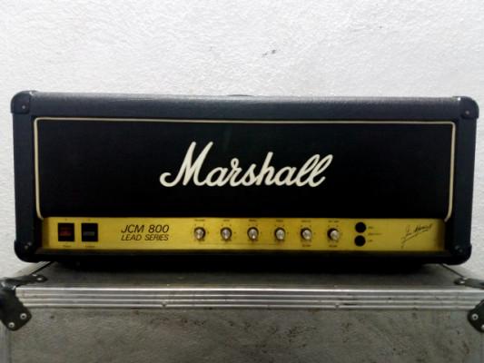 Amplificador Marshall JCM 800 2203