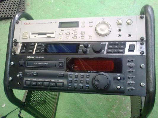 Sampler Akai 2000