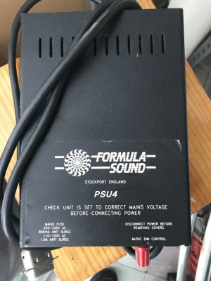 Formula Sound PM90 Fuente De Alimentación