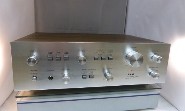 Amplificador Hi-fi Akai AM2400 vintage
