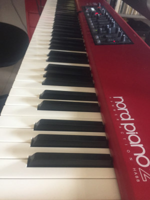 NORD PIANO 2 - Impecable