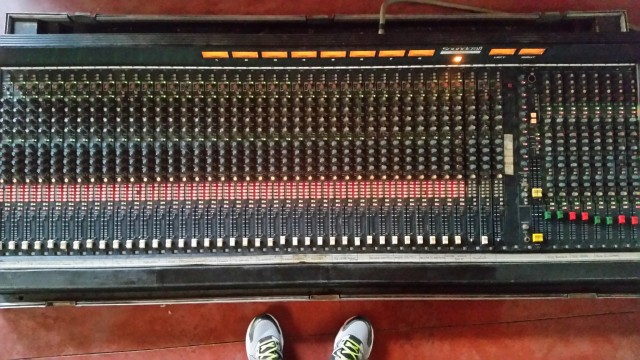 Soundcraft 8000 40 ch House