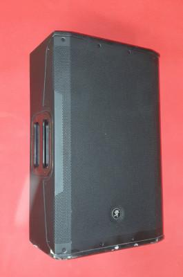 ALTAVOZ MACKIE SRM 550
