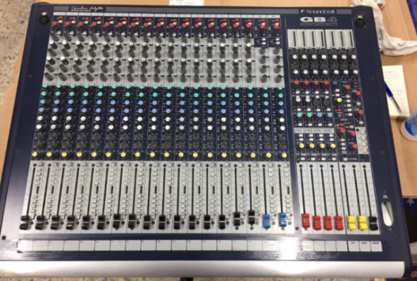 Soundcraft GB4 16+2 Live Mixer