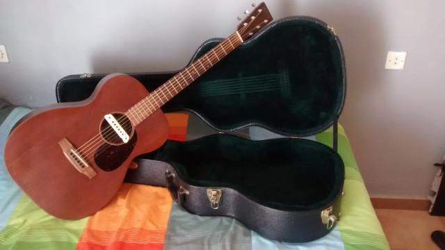 Guitarra Martin 00-15 M + Pastilla activa LR Bags M1