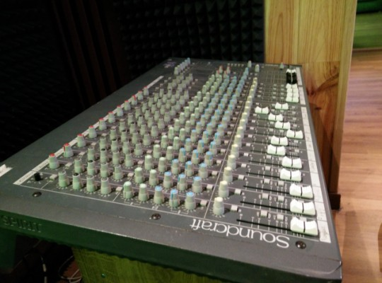 VENDO / CAMBIO SoundCraft Spirit Folio 4