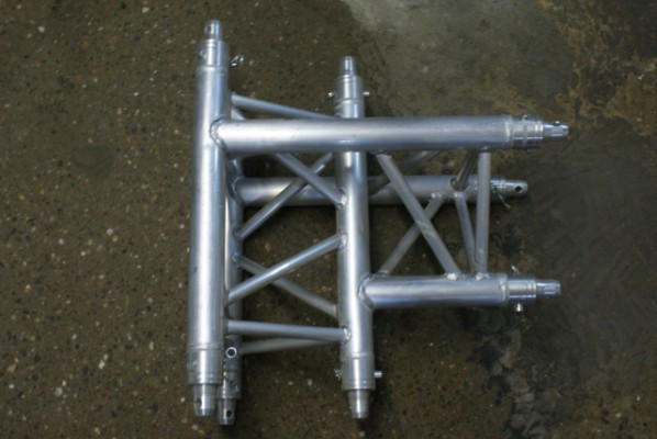 "Truss ""T"" trilite invertidas"