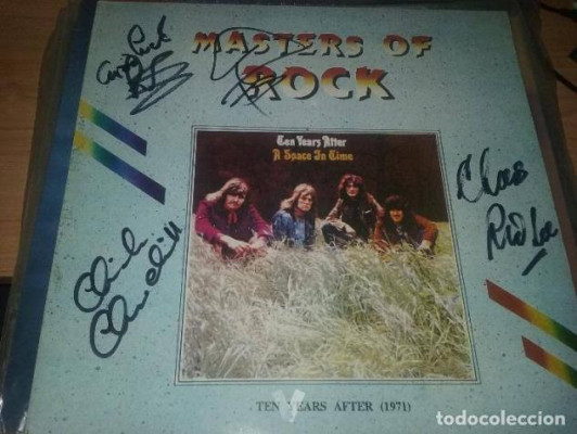 TEN YEARS AFTER - A SPACE IN TIME FIRMADO