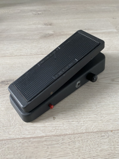 Dunlop Wah - Mister Cry Baby Super - Pedal Wah y Volumen + Booster