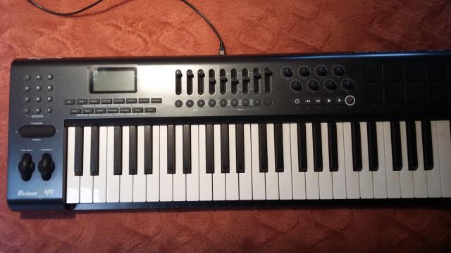 teclado m-audio 49